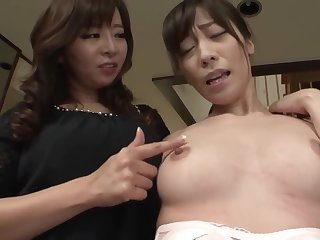 A Leisured Madam Coupled with A Divorced Housekeeper -Their Splendid Afternoon Lesbian Sex