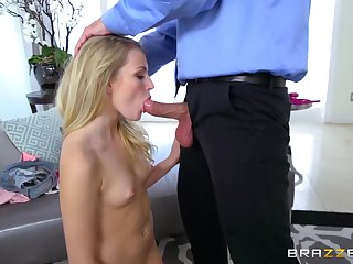 Keel over oral foreplay before stepdaddy turn into scrap her cunt