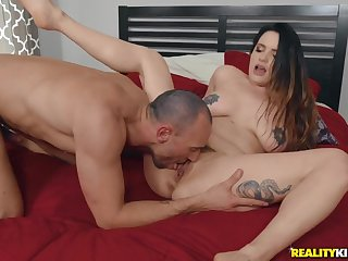 Domineer porn babe loves to ride and swallow