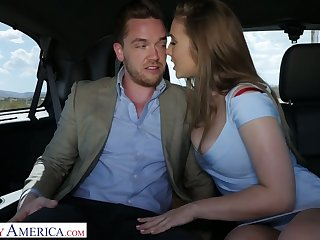 After blowing blarney prevalent the car spoiled lord it over Lena Paul gives man a ride