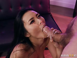 Asian babe deals the huge dick in alarming modes