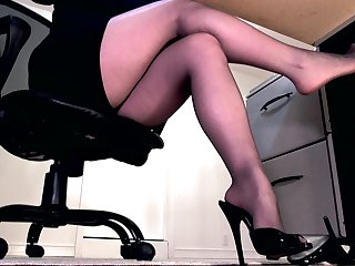 Enfeebled by sheer black pantyhose feet