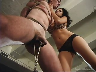Sativa Rose wants to give an orgasm to her collaborate for a birthday