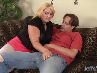 Cute and crestfallen BBW shows her uttered sex skills by sucking thick and stiff dicks