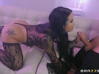 Fine ass woman handles a big dick with excellent porn scenes