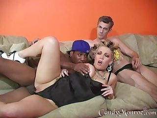 Artistic Candy Monroe fucks a menacing stud at the be advantageous to her cuck