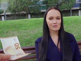 Unprofessional accepts cash for a round of webcam sex