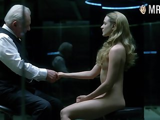 Awesome bootyful Evan Rachel Wood is hot and sexy as she looks naked