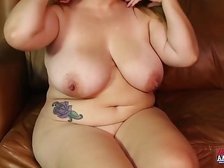 Big big hot slut enjoying dick less her tits